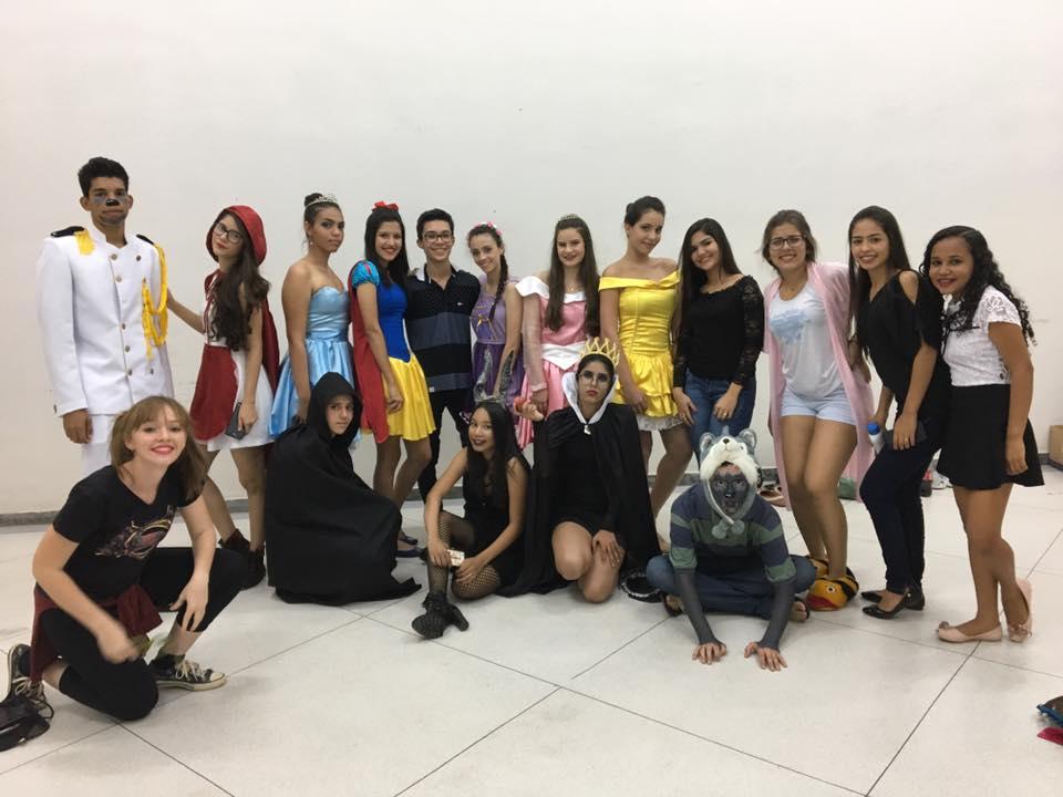 Grupo de Teatro M.A. Disney ao Avesso 2